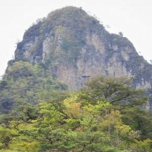 西上州(南牧村) チョキから碧岩北稜を登る     Climbing at Mount Midori in Nanmoku, Gunma