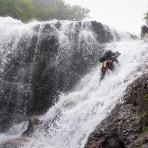 吾妻連峰 美渓の前川大滝沢で水遊び     Stream Climbing in Otakisawa, Bandai-Asahi National Park