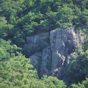 長野市松代町 鳶岩でクライミング     Rock Climbing at Tonbi-iwa in Matsushiro, Nagano