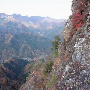 西上州(南牧村) オモツから大岩北壁を登る藪岩クライミング     Mount Oiwa in Nanmoku, Gunma
