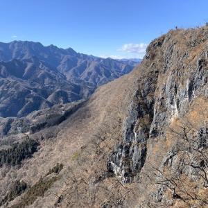 小鹿野町 白石山(毘沙門山)は大展望の秘峰だった     Mount Hakuseki in Ogano, Saitama