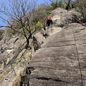 湯河原町 湯河原幕岩でクライミング 【正面壁】     Rock Climbing at Makuiwa in Yugawara, Kanagawa