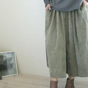 【ナチュセン】50代以上シニア女子に足さばきよいコーデュロイフレアスカートが素敵!