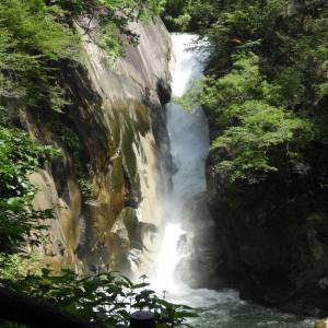 日本の滝100選「仙娥滝」