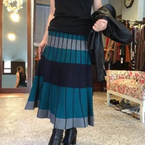 セモア☆大人気のニットスカート 入荷しました〜一枚だけ!お早めに