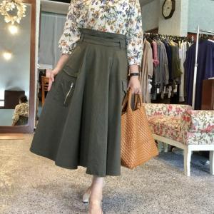 LCのカーゴスカート は綺麗系にもカジュアルにも大人可愛い着こなしどうぞ〜〜
