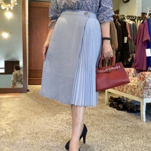 CHILLEA☆サイドプリーツの巻スカート 風のスカートは動きが美しいんです。