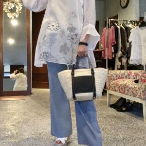 セモア☆裾刺繍の麻のブラウス〜涼しげで夏にピッタリ40%OFF〜❣️