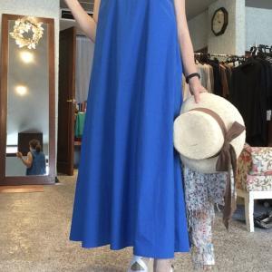 コバルトブルーのサマードレスは発色が綺麗‼️
