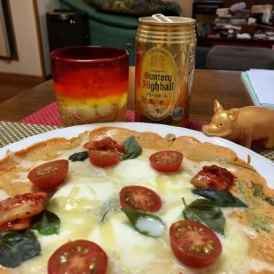 遅過ぎる夕飯出来た〜^ ^ピザに見えるけどピザじゃないよーイヤピザとも言える❓