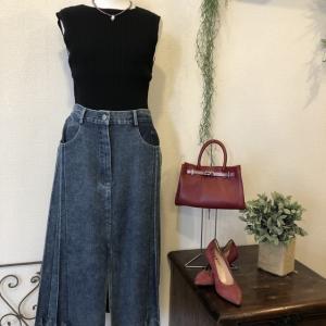 ミカーレミカーレ☆デニム×プリーツ異素材のスカート 可愛いデス❗️