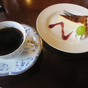 カフェウエストで、ケーキセット