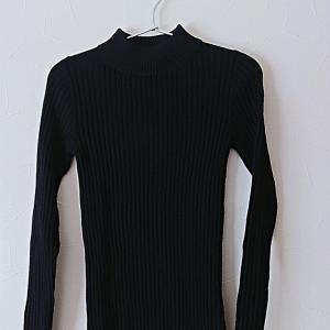 【50代主婦ファッション】無印良品★黒の洗えるハイネックセーター他、スタイルアップ抜群で驚いたパンツなど・・(着画アリ)♪