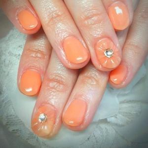パステルオレンジのワンカラー、ゴールドラメグラ