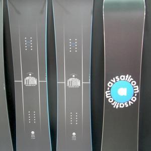 ATIROM-AVS SNOWBOARDS 20-21モデル