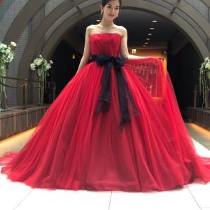 真っ赤な新作ドレス
