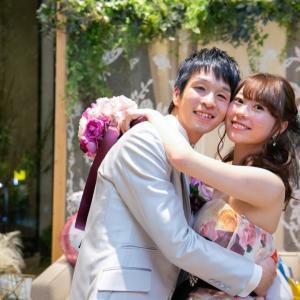 カラフルな薔薇が華やかなカラードレスで結婚式✨岐阜