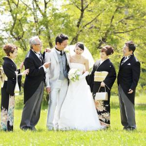 フォトウェディング大阪 家族も一緒に♪衣装も豊富にご用意してます!衣裳店発の写真結婚式