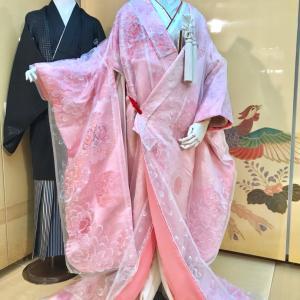 オーガンジーを重ね着したピンク色の色打掛♪大阪丸福衣裳店 本店