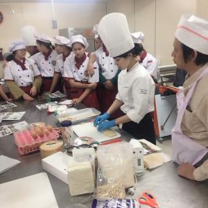 クリスマスケーキのお話&ヘルシーアップルケーキ増席決定!