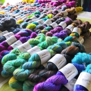 フィンランドの手染め糸第2弾・ヤギの毛糸、犬の毛糸、羊の毛糸