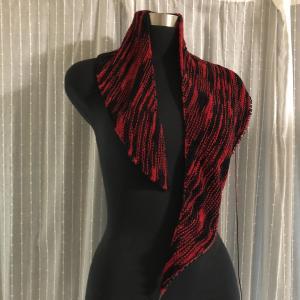 鋭角から始まる三角ショールの編み方