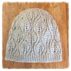 【完成】木の葉模様のニット帽。無料編み図なのに素敵!