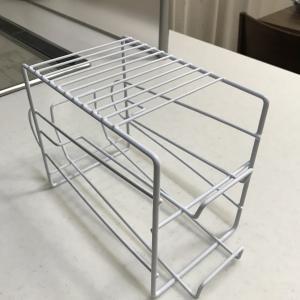 冷蔵庫のデッドスペースを無駄なく使える優秀なストッカー