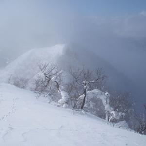 高社山で雪山初め