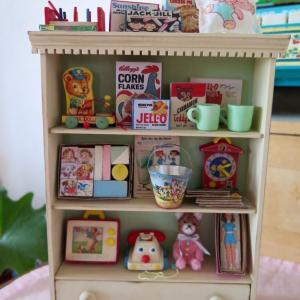 ヴィンテージなおもちゃと雑貨のコレクションシェルフ完成しました