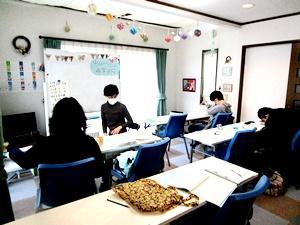 春日井校も先輩&後輩も良い雰囲気で学習していますよ(通信制高校サポート校中京ドリーム)