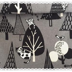 猫ちゃんが森の中でかくれんぼ:のリュックサック