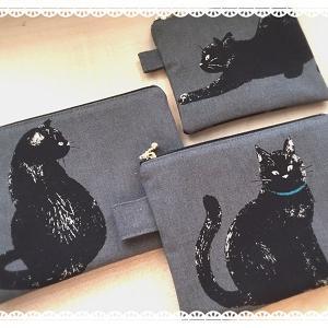 黒猫ちゃんのペタンコポーチ
