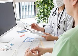 「出生数90万人割れ」報道に不妊治療の保険適用を求める声