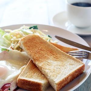 ここから本文です 忘れっぽい、イライラするあなた! 朝ごはん、何を食べていますか?