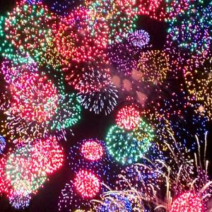 『POINT ET LIGNE@丸の内』〜いつ伺ってもすてきだな☆と、週末の花火!