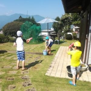 従兄弟と遊ぶ