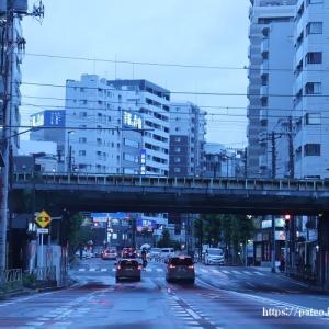 小雨の中、夕闇の日光街道をゆく?