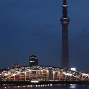 夜空に浮かぶ東京スカイツリーに夢を・・⁈
