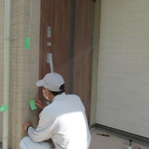 足立区N様邸外構リフォームタイル工事始まる。