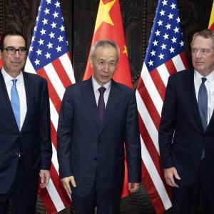 米国、対中制裁関税「第4弾」を発動 中国側も即時報復:朝日新聞デジタル