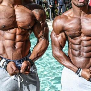 俺もこんな筋肉が欲しいんだが何ヵ月筋トレすればなれる?