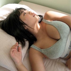 【画像】朝起きたらこんなヱロい身体の女の子がいたらどうする?wwwwwwwwwwwwwwwwww
