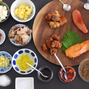 梅干し・昆布・鮭…駄菓子まで!?おもしろネタで『おにぎりパーティー』*