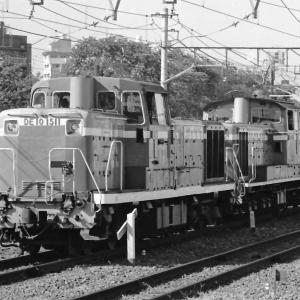 東淀川駅通過するDD51+DE10重連回送(梅田貨物上り線)