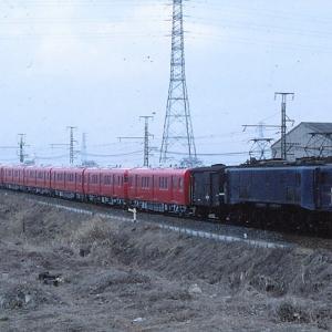 一人寂しく撮影していたEF58牽引名鉄甲種輸送