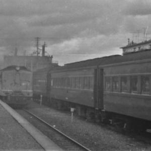 なんと三重連と重連のコラボ(紀伊中ノ島駅1972/2撮影)