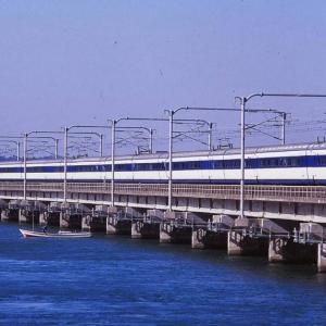 第三浜名鉄橋渡る0系新幹線