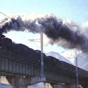 中央西線走行するD51重連貨物列車