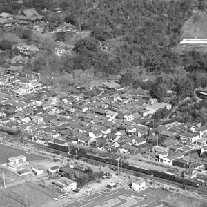 空撮から  紀勢線走行するEF58客車列車(1984/1/26撮影)